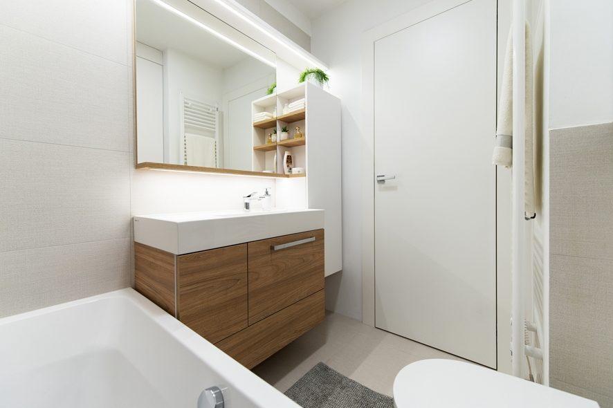 pohištvo v toaleti